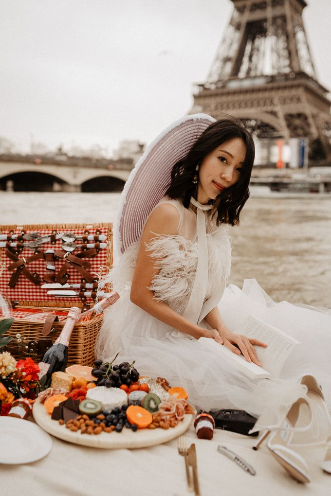 Pre-wedding in Paris by Through The Glass Paris - 006