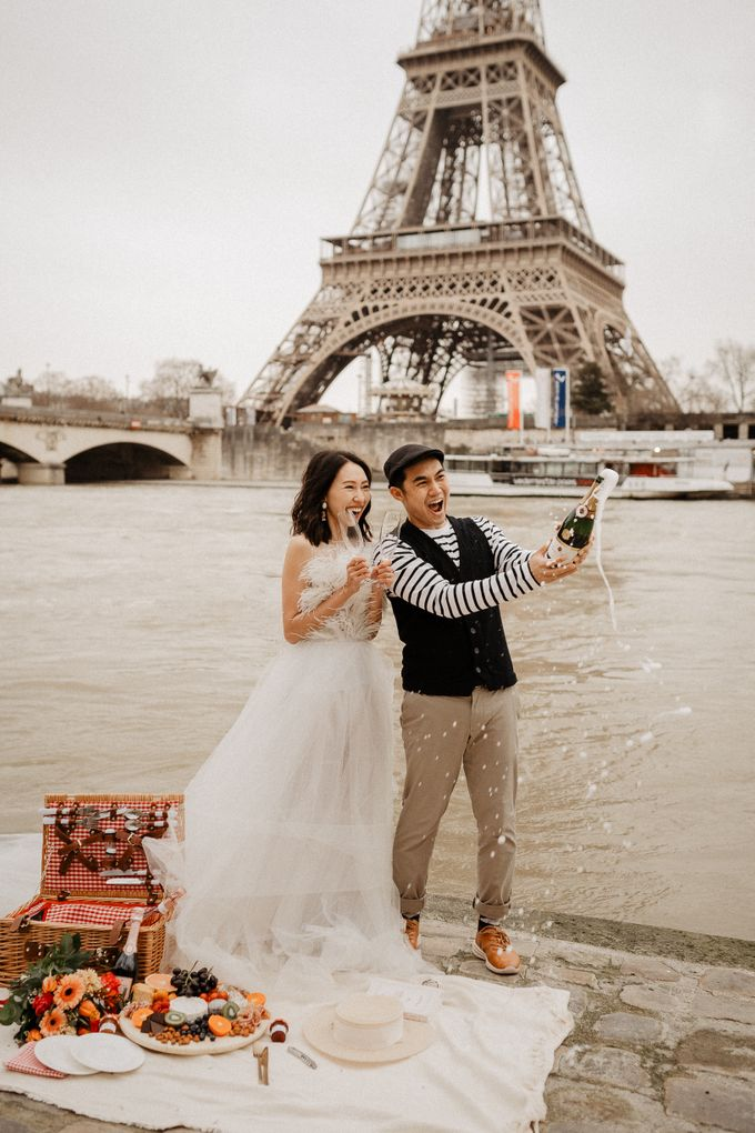 Pre-wedding in Paris by Through The Glass Paris - 004