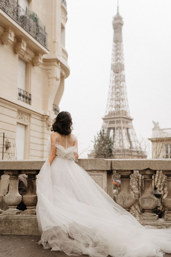 Pre-wedding in Paris by Through The Glass Paris - 017