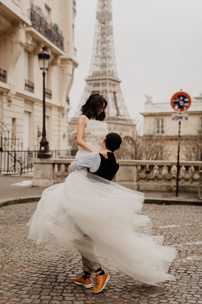 Pre-wedding in Paris by Through The Glass Paris - 024