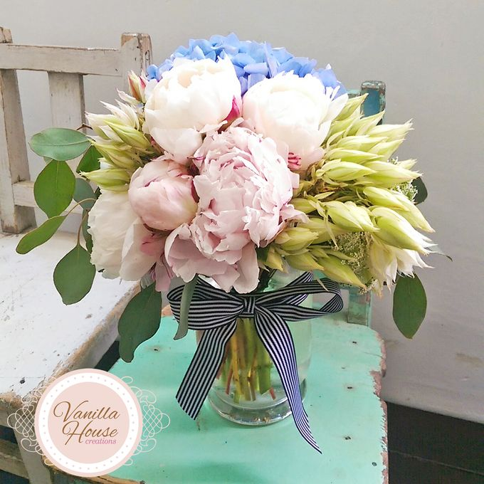 Table Floral Arrangement by Vanilla House Creations - 012