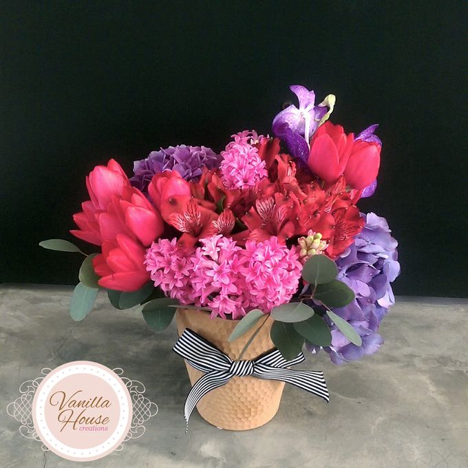 Table Floral Arrangement by Vanilla House Creations - 011