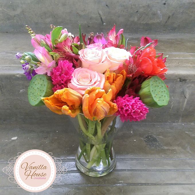 Table Floral Arrangement by Vanilla House Creations - 013