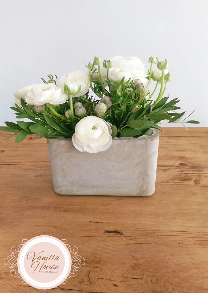 Table Floral Arrangement by Vanilla House Creations - 002