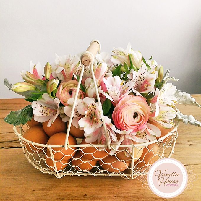 Table Floral Arrangement by Vanilla House Creations - 005