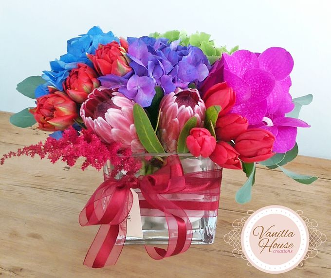 Table Floral Arrangement by Vanilla House Creations - 004
