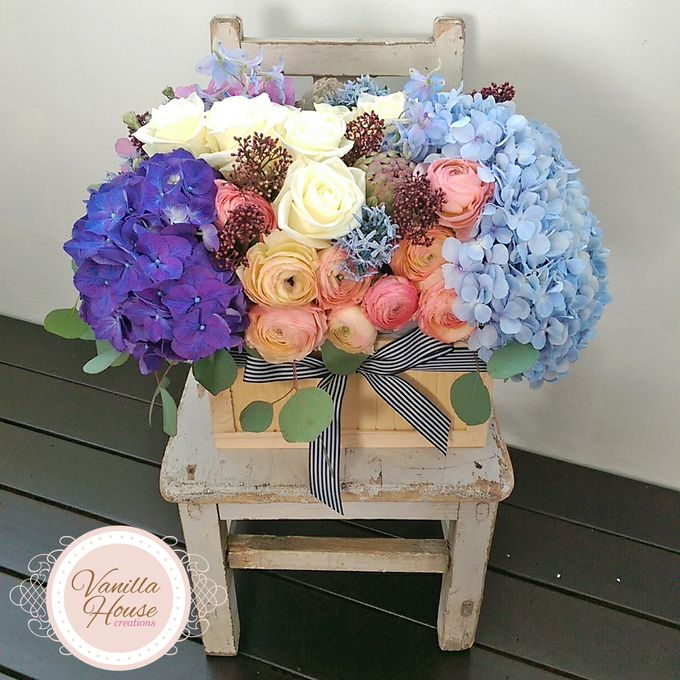 Table Floral Arrangement by Vanilla House Creations - 007