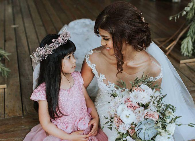 Bride Lisa - Illusion Neckline Lace Sheer Wedding Dress - Dentelle Bridal by ZA Gallery - 001