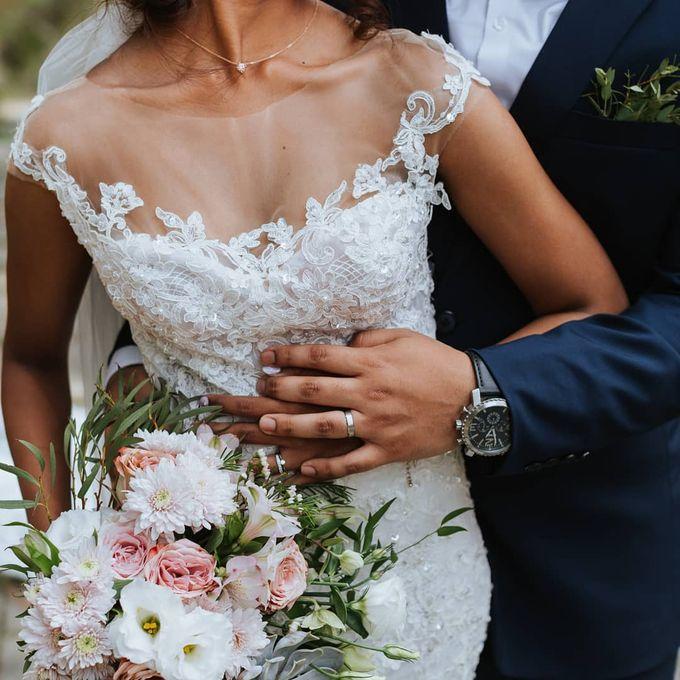 Bride Lisa - Illusion Neckline Lace Sheer Wedding Dress - Dentelle Bridal by ZA Gallery - 003