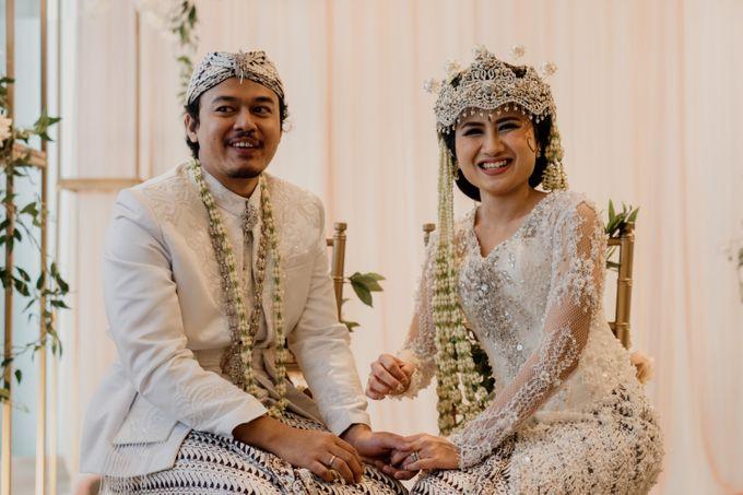 Tania & Irfan Wedding at JS Luwansa Hotel Jakarta by AKSA Creative - 021