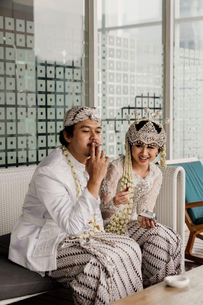 Tania & Irfan Wedding at JS Luwansa Hotel Jakarta by AKSA Creative - 025