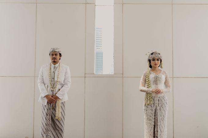 Tania & Irfan Wedding at JS Luwansa Hotel Jakarta by AKSA Creative - 030