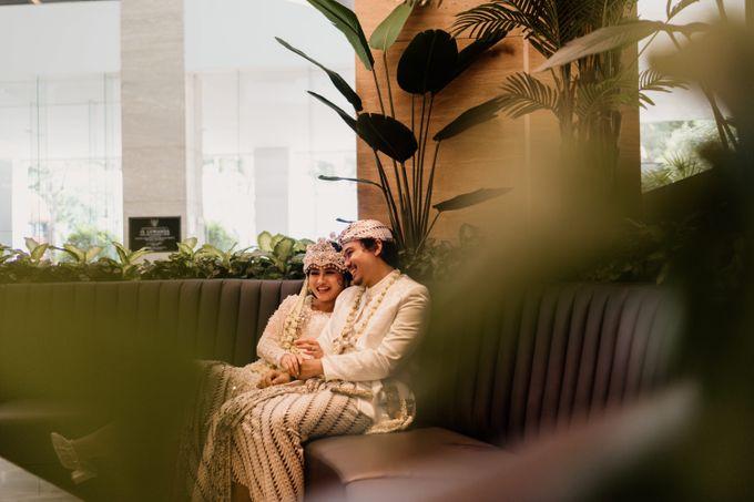 Tania & Irfan Wedding at JS Luwansa Hotel Jakarta by AKSA Creative - 033