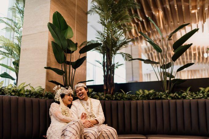 Tania & Irfan Wedding at JS Luwansa Hotel Jakarta by AKSA Creative - 034