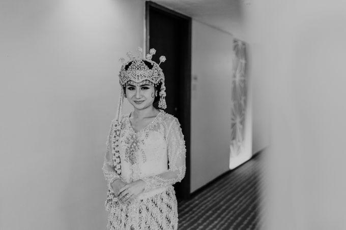 Tania & Irfan Wedding at JS Luwansa Hotel Jakarta by AKSA Creative - 004