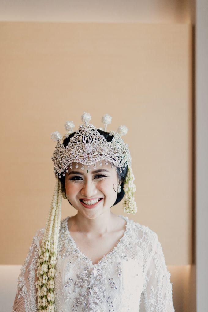 Tania & Irfan Wedding at JS Luwansa Hotel Jakarta by AKSA Creative - 007