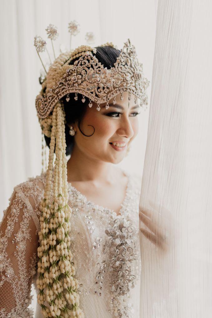 Tania & Irfan Wedding at JS Luwansa Hotel Jakarta by AKSA Creative - 005