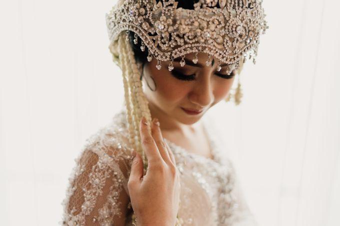 Tania & Irfan Wedding at JS Luwansa Hotel Jakarta by AKSA Creative - 006