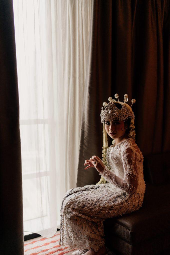 Tania & Irfan Wedding at JS Luwansa Hotel Jakarta by AKSA Creative - 009