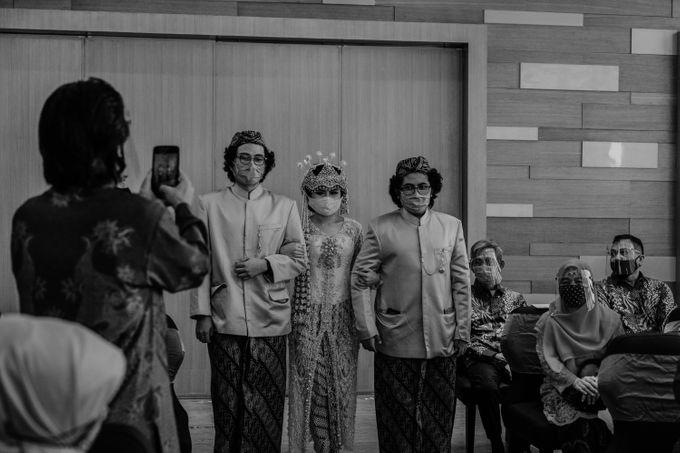 Tania & Irfan Wedding at JS Luwansa Hotel Jakarta by AKSA Creative - 011
