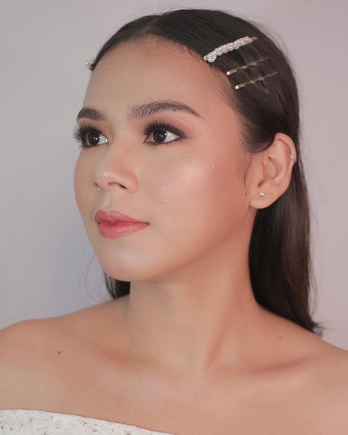 Bride by Tari Yuliana Makeup Hair - 005