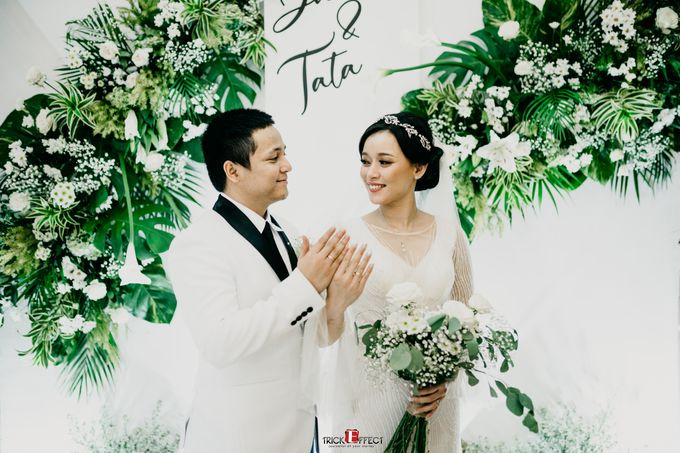 James & Tata    Holy Matrimony by Trickeffect - 022