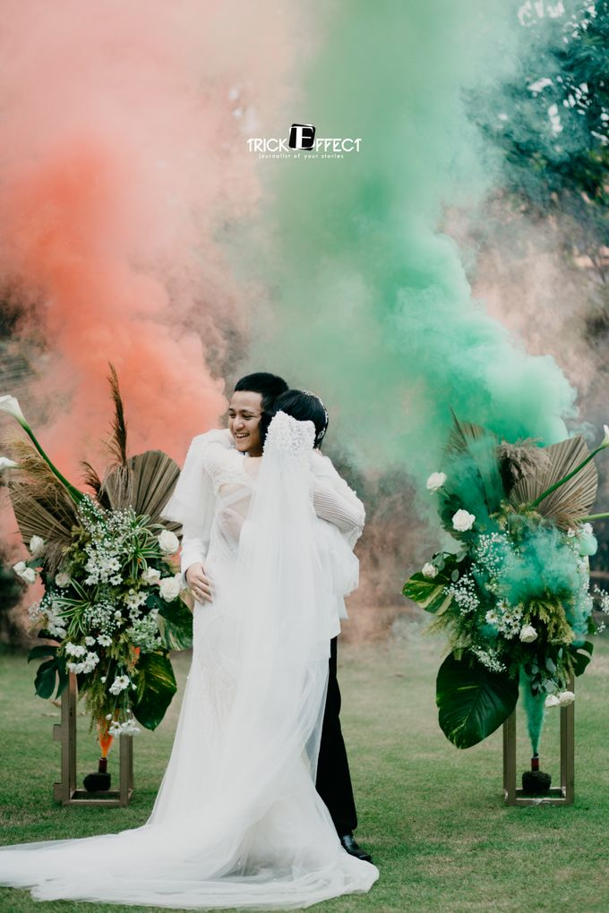 James & Tata    Holy Matrimony by Trickeffect - 013