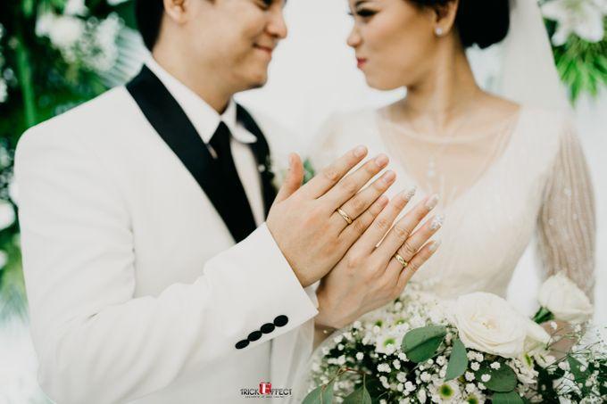James & Tata    Holy Matrimony by Trickeffect - 023
