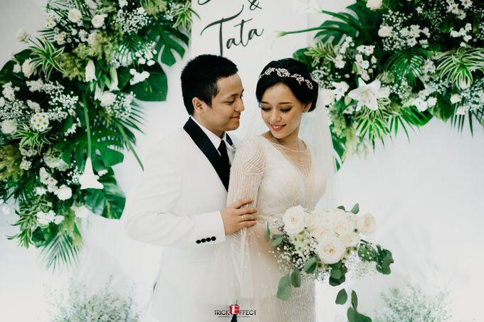 James & Tata    Holy Matrimony by Trickeffect - 020