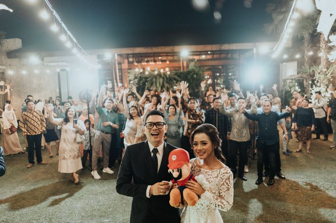 The Wedding of Tati & Wira at Taman Kajoe by La Oficio Entertainment - 002
