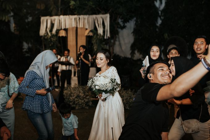 The Wedding of Tati & Wira at Taman Kajoe by La Oficio Entertainment - 001