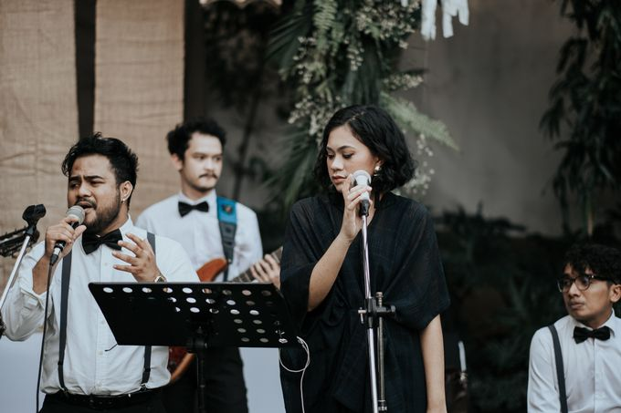 The Wedding of Tati & Wira at Taman Kajoe by La Oficio Entertainment - 004
