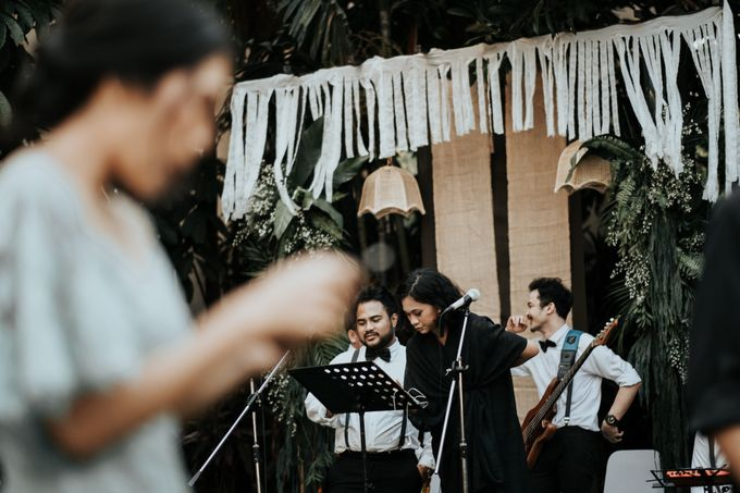 The Wedding of Tati & Wira at Taman Kajoe by La Oficio Entertainment - 007