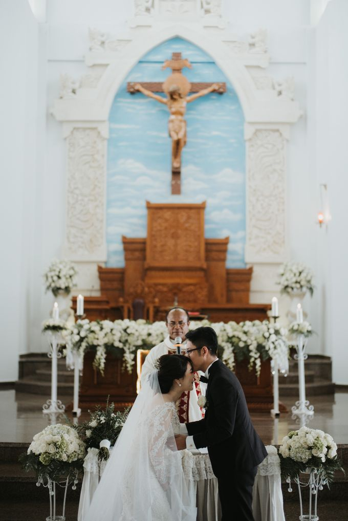 ANDY & TIFFENIE WEDDING AT THE CLIFFSIDE PRIVATE VILLA - HOLY MATRIMONY by Vilia Wedding Planner - 008