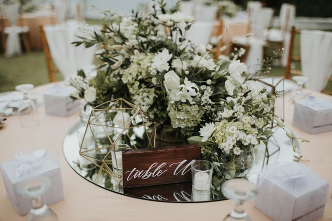 ANDY & TIFFENIE WEDDING AT THE CLIFFSIDE PRIVATE VILLA - Dinner Reception by Vilia Wedding Planner - 005