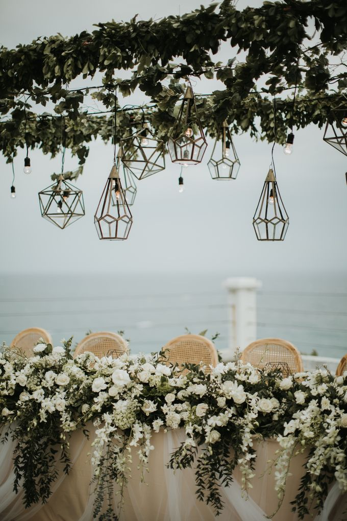 ANDY & TIFFENIE WEDDING AT THE CLIFFSIDE PRIVATE VILLA - Dinner Reception by Vilia Wedding Planner - 008