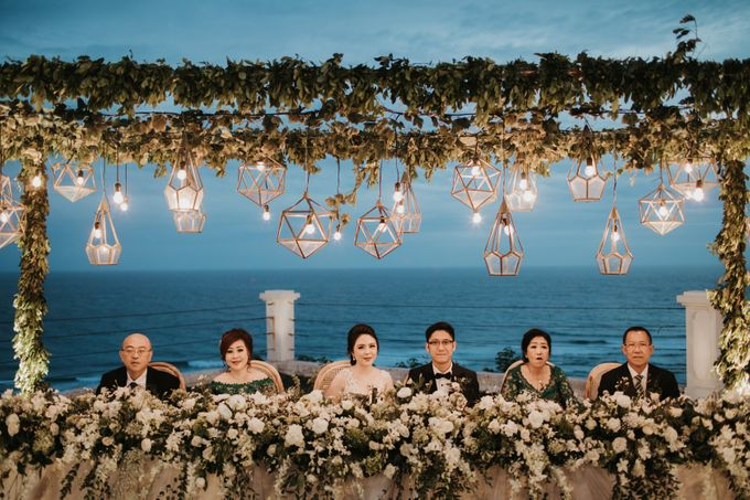 ANDY & TIFFENIE WEDDING AT THE CLIFFSIDE PRIVATE VILLA - Dinner Reception by Vilia Wedding Planner - 012