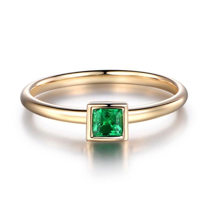 TIARIA Glittering Emerald Engagement Ring Cincin Tunangan Emerald by TIARIA - 001