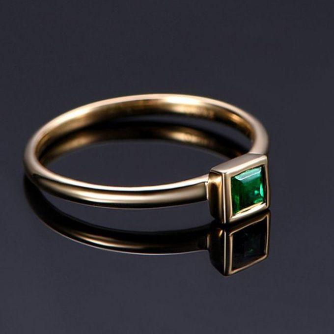 TIARIA Glittering Emerald Engagement Ring Cincin Tunangan Emerald by TIARIA - 004
