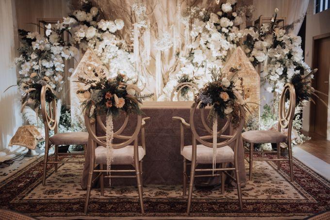 Intimate Traditional Wedding - Anis & Dade by Loka.mata Photography - 006