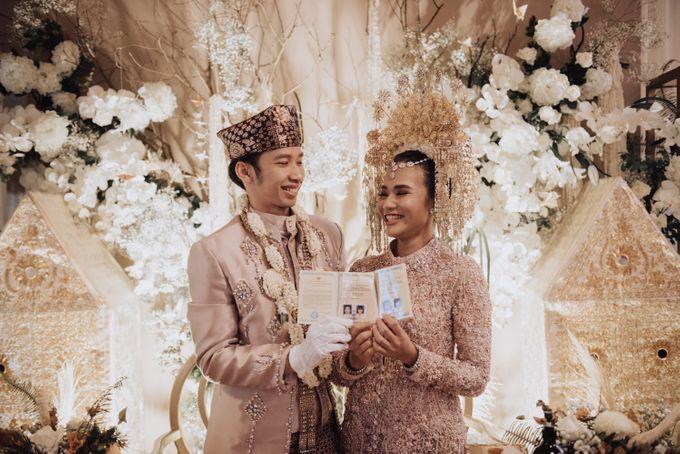 Intimate Traditional Wedding - Anis & Dade by Loka.mata Photography - 012