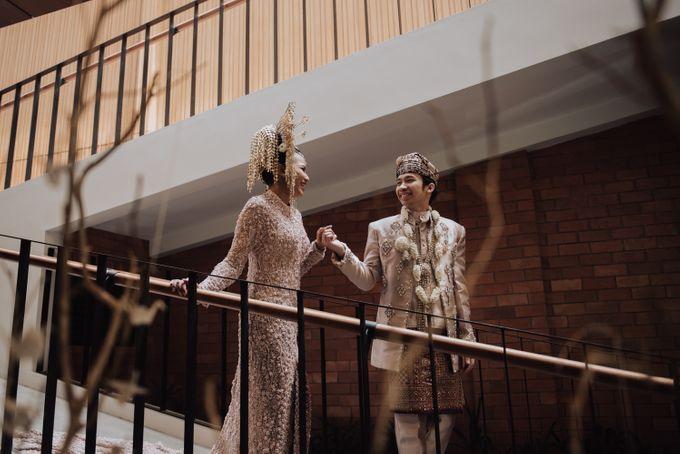 Intimate Traditional Wedding - Anis & Dade by Loka.mata Photography - 016