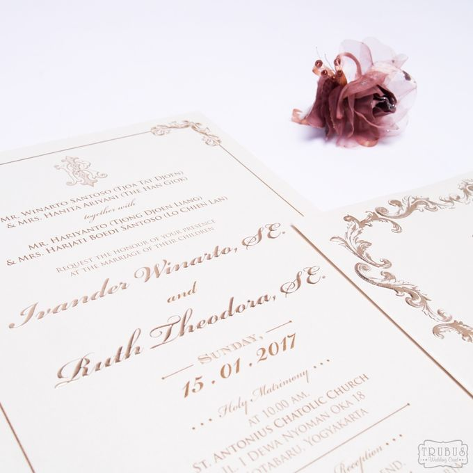 White Gold Hardcover Invitation by TalkingCard - 002