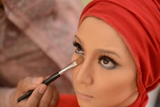 Make Up by D&D Professional Make Up Artist & Kebaya By Dindin Nurdiansyah - 001