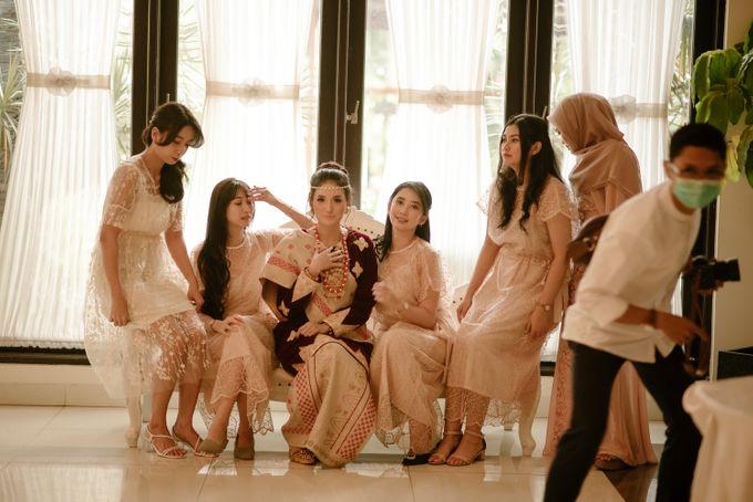 Geni & Rio by Zia Brides Make Up Artist & Kebaya - 003