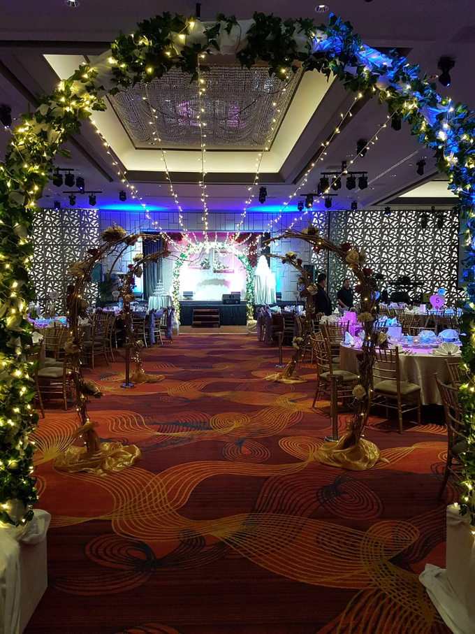 Fairylights Canopy March In Aisle by Te Planner - 001