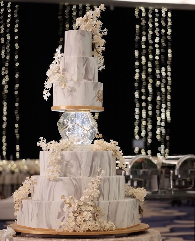 5 & 6 Tiers Wedding Cake by LeNovelle Cake - 024