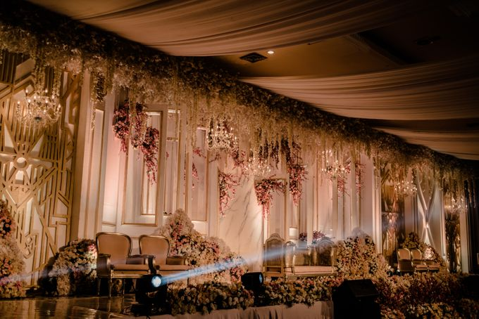 Wedding Of Azmi & Rabi'ah by The Great Larasati - 010