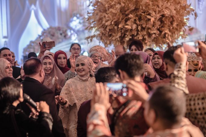 Wedding Of Azmi & Rabi'ah by The Great Larasati - 002