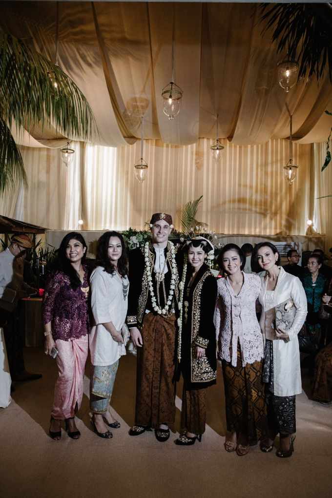 A WEDDING AT PONDOK INDAH by AIRY - 016